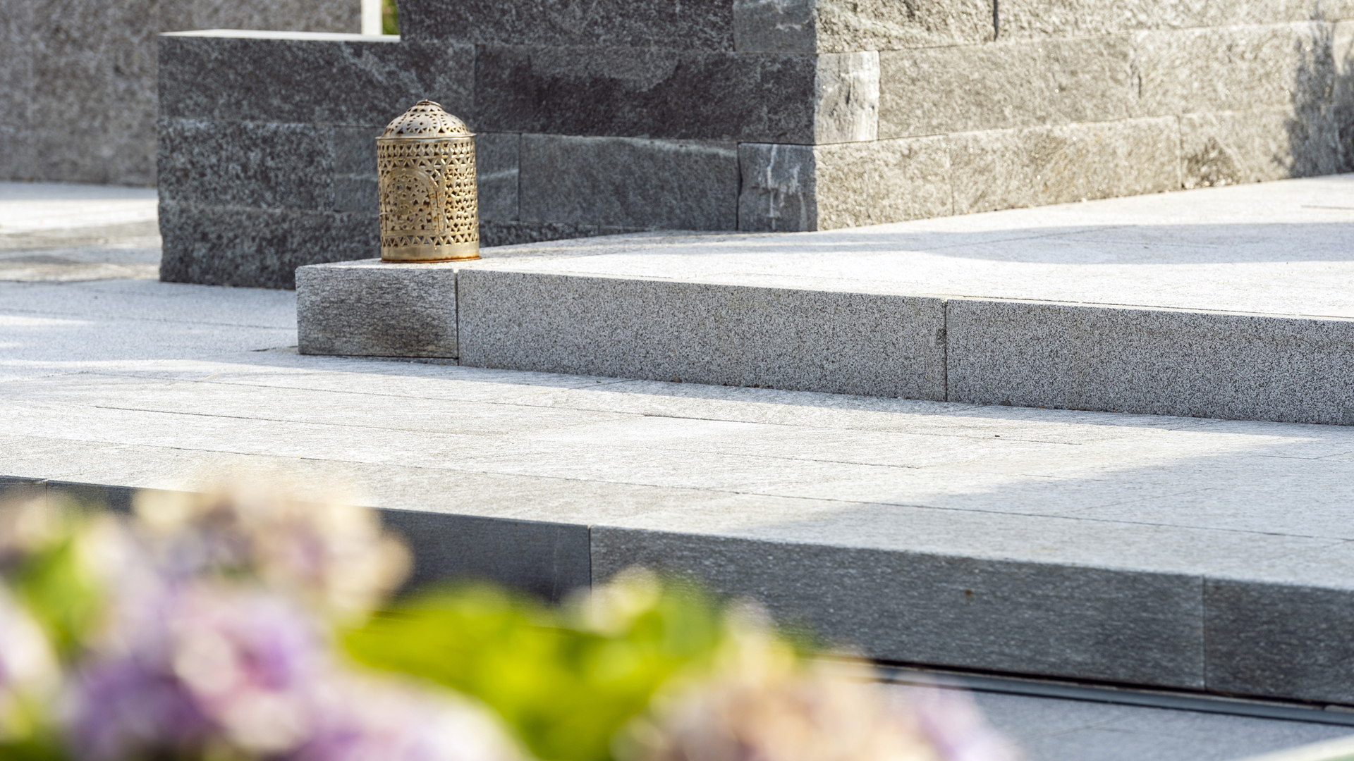 Gartenausstellung Nänikon - Betonplatten,  Pflanzgefässe